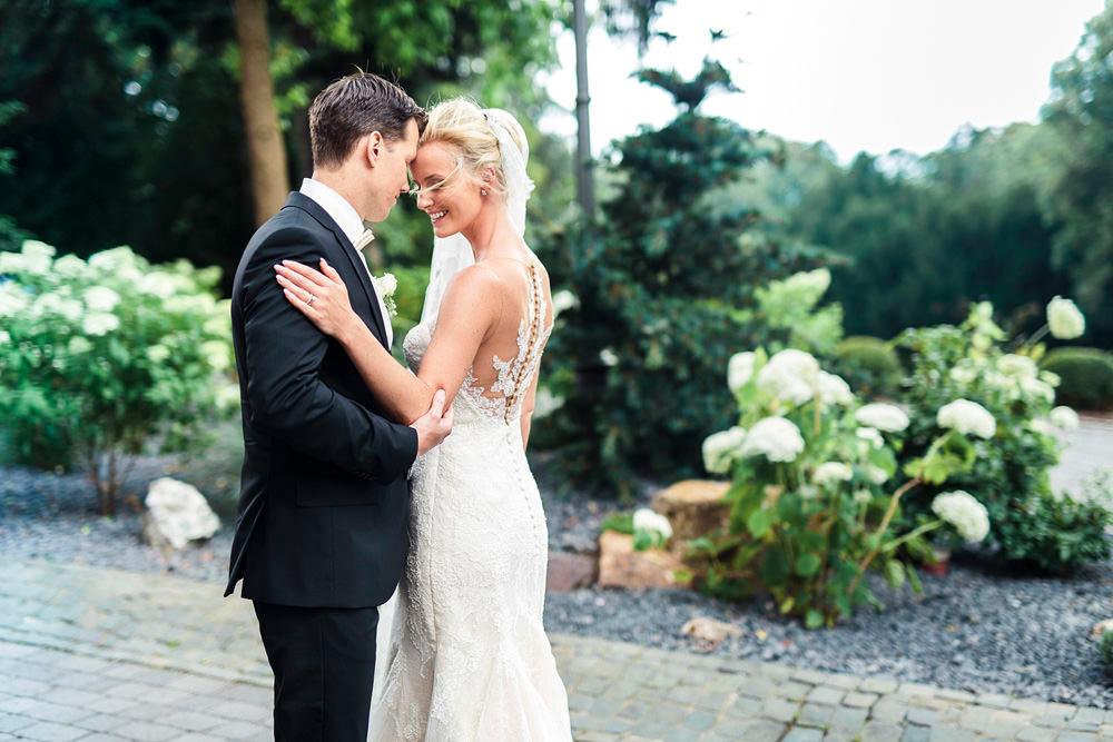 Posing Tipps: wie du jede Braut schlanker fotografieren kannst