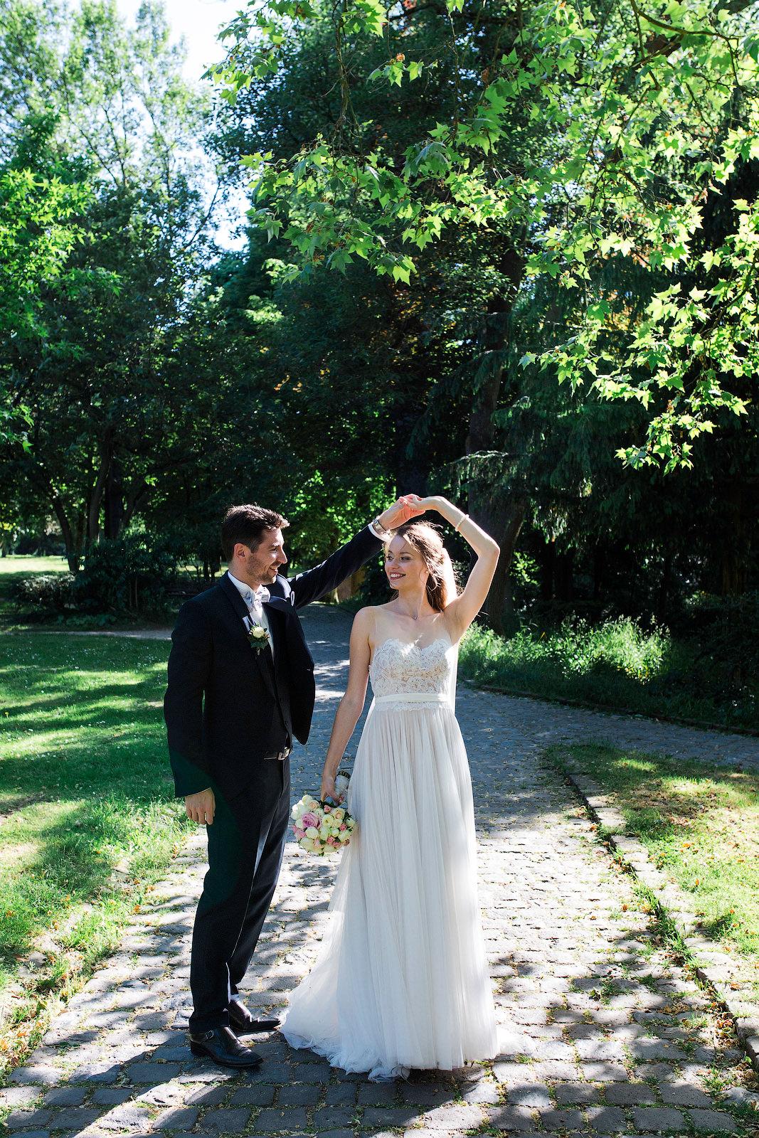 Wie Ihr Schone Paarfotos Bei Eurer Hochzeit Hinbekommt